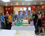 Celebrating birthday for employees in May 2017