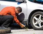Mẹo khắc phục thủng lốp giữa đường