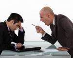 Phải Làm Gì Khi Mối Quan Hệ Giữa Nhân Viên Và Sếp Căng Thẳng?
