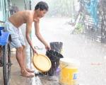 Nước mưa bẩn và nguy hiểm hơn chúng ta nghĩ