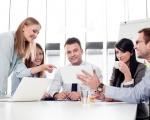 Tạo lập mối quan hệ với đồng nghiệp thông qua các kỹ năng giao tiếp ứng xử