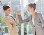 Vì sao đồng nghiệp không ưa mình, cách đối phó để không bị bắt nạt